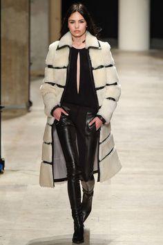 Barbara Bui Fall 2015 Ready-to-Wear Fashion Show - Antonina Petkovic