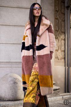 Fake fur mantel rosa