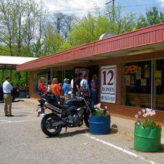 12 Bones BBQ Wonderful place to eat Asheville North Carolina, Western North Carolina, North Carolina Homes, Ashville Nc, Nc Mountains, Biltmore Estate, Best Bbq, Smoky Mountain, Bbq Ribs