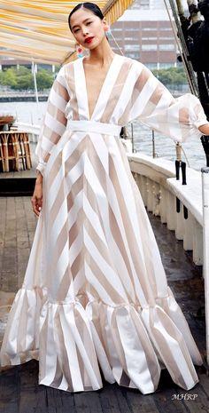 Summer Fashion Tips .Summer Fashion Tips Lela Rose, Love Fashion, Fashion Looks, Fashion Ideas, Winter Fashion, Fashion Tips, Mode Kimono, Maxi Robes, Mode Inspiration