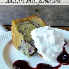 Old Fashioned Blue Ribbon Pound Cake recipe is tall, buttery, moist, & dense. This pound cake is classic & very close to an original pound cake recipe. Pound Cake Recipes, Cupcake Recipes, Cupcake Cakes, Dessert Recipes, Bundt Cakes, Key Lime Pound Cake, Cream Cheese Pound Cake, Pound Cake Glaze, Glaze For Cake