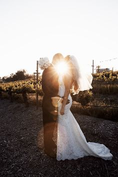 A sophisticated and romantic winery wedding by Mandilynn Photography - Wedding Party