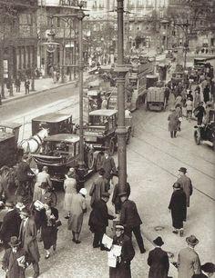 Rush hour, Berlin,  1927.