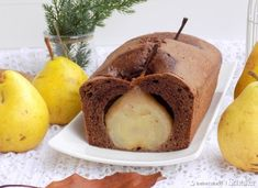 Kakaowe ciasto z gruszką. Food Cakes, Cake Recipes, Food Porn, Muffin, Pudding, Sweets, Eat, Cooking, Breakfast