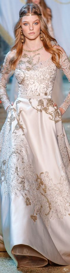 The Wolf Queen of Vascheika Elegant Dresses, Pretty Dresses, Formal Dresses, Beautiful Gowns, Beautiful Outfits, Designer Gowns, Designer Wear, Couture Fashion, Couture 2015