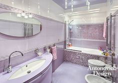 Неоклассика, арт-деко и стильный дизайн сплелись в интерьере этой ванной комнаты, благодаря чему она неизменно радует своих хозяев.