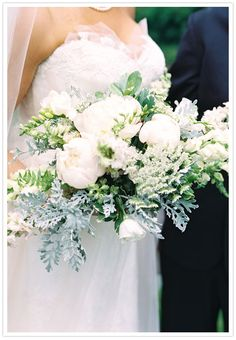 Blush Peony, Queen Anne's lace, Jilly Sweet pea, French vanilla Snap dragons, Cream lizanthus, Cream larkspur, White Hypericum berries bridal bouquet