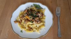 Montagsmenü 50: Herbstliche Pasta Meals For One, Pasta Salad, Menu, Cooking, Ethnic Recipes, Food, Cooking Recipes, Kochen, Menu Board Design