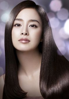 Kim Tae-hee, a Korean actress. She was amongst the 10 most beautiful women selected by cable TV channel m.net to mark the company's 10th anniversary. The others are : Ko So-young, Kim Hee-sun, Moon Geun-young, Son Ye-jin, Song Hye-kyo, Eugene Kim, Lee Young-ae, Jeon Ji-hyun and Han Ga-in.
