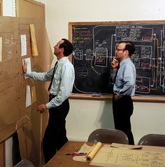 Peter Rogers (left) and Carl Steinitz at the Laboratory for Computer Graphics, Graduate School of Design, Harvard University, in 1967. Photographs of the process of working were taken only rarely, unfortunately.