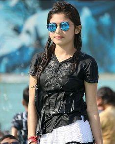 Chat with beautiful women on Friendsim Beautiful Girl Photo, Beautiful Girl Indian, Beautiful Indian Actress, Beautiful Women, Stylish Girls Photos, Stylish Girl Pic, Girl Photos, Stylish Dp, Dil Se