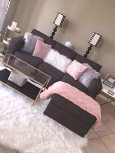 10 Comfortable and Cozy Living Rooms Ideas You Must Check! - Interior Remodel Most comfortable and cozy living room ideas Source by pkahijor First Apartment Decorating, Apartments Decorating, Cozy Living Rooms, Living Room Goals, Living Room Decor College, Living Room Decorations, Living Area, Cute Living Room, Dream Rooms