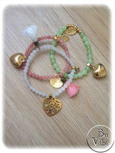 Bracelet perles et breloques par ByVibi sur Etsy,