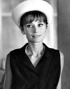 Audrey Hepburn photographed by Pierluigi Praturlon in Paris, in July 1962.