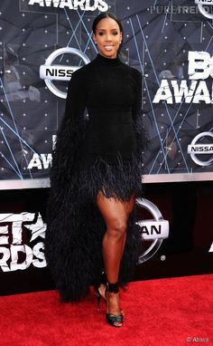 Kelly Rowland in Lever Couture on the 2015 red carpet BET Awards