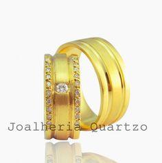Aliança de casamento Solange em ouro 18 klts, 20 gramas o par, 20 diamantes  laterais e um central. 2830642deb