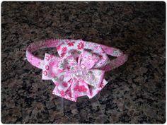 Giselle Barbosa Artesanatos: Tiara com flor de fuxico rosa estampado