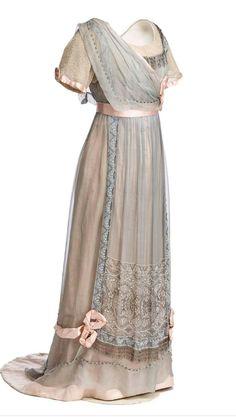 Znalezione obrazy dla zapytania la belle époque 1910 dress