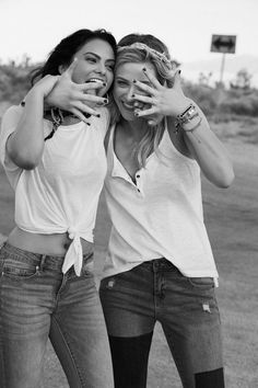 Actresses Lili Reinhart and Camila Mendes for the new Bongo Jeans campaign with . - Actresses Lili Reinhart and Camila Mendes for the new Bongo Jeans campaign with photos by Matt Jone - Riverdale Aesthetic, Riverdale Cw, Riverdale Funny, Riverdale Memes, Riverdale Betty And Veronica, Betty Cooper, Vanessa Morgan, Camila Mendes Riverdale, Camilla Mendes