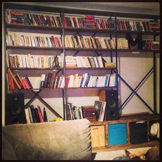 Bibliothèque pin et acier. Quand tu trouves pas ce que tu cherches, fais-le! Mes débuts en création de meuble :-) Pin, Bookcase, Creations, Shelves, Home Decor, Steel, Furniture, Shelving, Homemade Home Decor