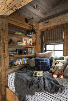 35 Very Cute Rustic Kids Room Designs That Strike With Warmth And Comfort - One of my favorite themes for a little boy's room is the log cabin kids rustic bedroom theme. This was the choice of my son, Dakota, and we had a lot . Rustic Kids Rooms, Rustic Nursery, Country Kids Rooms, Rustic Room, Italian Living Room, Rustic Lake Houses, Rustic Homes, Barn Houses, Diy Cabin