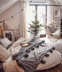 Pin od julka na home decor спальня, скандинавская спальня i уютная спальня. Fall Bedroom Decor, Gray Bedroom, Bedroom Colors, Bedroom Wall, Bedroom Ideas, Duvet Bedding Sets, Grey Bedding, Joanna Gaines, Grey Furniture