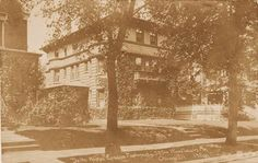 POSTCARD – CHICAGO – 5754 WOODLAWN AVE – OLD MANSION USED AS FRATERNITY – c1910