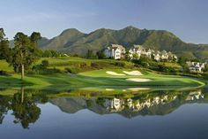The Links Golf Course, Fancourt Country Club Estate, George, Garden Route / Fancourt has four golf courses to offer the golfing visitor. All the courses are renowned for their amazing year round condition and the attention to detail that is shown. Public Golf Courses, Best Golf Courses, Knysna, George South Africa, The Tourist, Golf Holidays, Namibia, Garden Route, Out Of Africa
