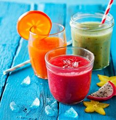 Smoothiet ovat siinä mielessä helppoja valmistaa, että ne eivät oikeastaan voi epäonnistua. Juice Smoothie, Smoothie Drinks, Smoothies, My Cookbook, Good Food, Easy Meals, Health Fitness, Food And Drink, Baking