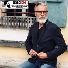 Wow mens fashion trends that look great. Beard Styles For Men, Hair And Beard Styles, Hair Styles, Grey Hair Beard, Gray Hair, Beard Tips, Grey Beards, Perfect Beard, Awesome Beards