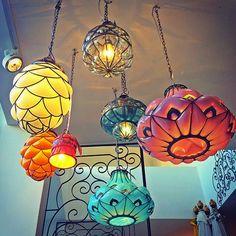 outside the box decor Bali Decor, Surf, Day Room, Cool Lamps, Moroccan Decor, E Design, Decoration, Lanterns, Sweet Home