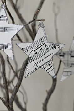 Glittered Star Ornaments. via UponADreamDesigns on Etsy