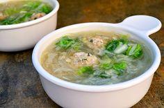 Sotanghon at Bola Bola Sopas is a delicious soup made with meatballs and cellophane noodles.