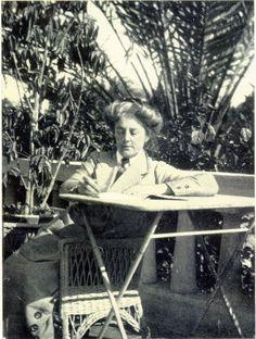 Ethel Smyth (1858-1944) at the Tewfik Palace Hotel, Helouan, Egypt, 1914 (SHC ref 9180/57).