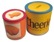 Junk Mail Gems: DIY - Make snack storage cans out of old formula cans Formula Containers, Baby Food Containers, Baby Food Jars, Cereal Containers, Tin Can Crafts, Diy Arts And Crafts, Diy Crafts, Recycled Crafts, Baby Formula Cans