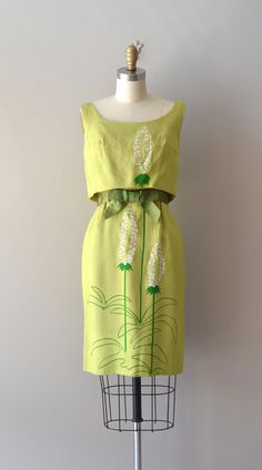 Linen dress with hand-painted flowers and grosgrain belt, by Hala Kahiki, c. 1960s.