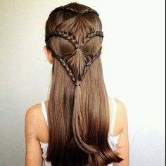 Easy, So-Pretty Hairstyles You Can Do in Under 5 Minutes: Here are our favorite fast hairstyles for short hair, long hair, and everything in between. Fast & Easy Hairstyle For When You're Running Late Fast Hairstyles, Little Girl Hairstyles, Pretty Hairstyles, Braided Hairstyles, Children Hairstyles, Hairstyle Short, Short Hair, Hairstyle Ideas, Hair Due