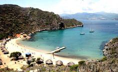 Mochima Estado Sucre . Para deleitar la vista cuenta con archipiélagos e islas maravillosas. Para llegar al sitio, se puede abordar alguno de los botes que prestan servicio en el lugar