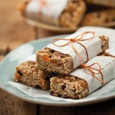 DIY granola bars - soft and chewy, by Lucy Baker
