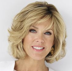Deborah Norville To Host Broadcasters Foundation Of America's Golden Mike Award Dinner Medium Hair Cuts, Short Hair Cuts, Medium Hair Styles, Curly Hair Styles, Short Hair With Layers, Layered Hair, Hair Styles For Women Over 50, Great Hair, Hair Today