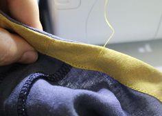 Wie man Kleider- oder Rockkanten mit Schrägband professionell säumt, zeige ich Euch in diesem Tutorial. Schnell und easy!