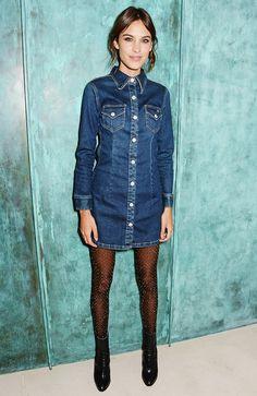 Cette robe en jean et ces chaussures me font kiffer.