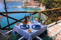 Hotel Porto Roca :: Official website :: Monterosso al mare - Cinque Terre - Italy....and have breakfast here