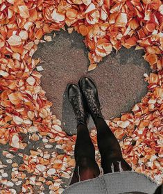 (notitle) - Fotos - - Do It YourSelf Autumn Photography, Creative Photography, Amazing Photography, Portrait Photography, Autumn Aesthetic, Autumn Cozy, Autumn Fall, Jolie Photo, Fall Photos