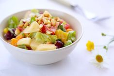 The rose fruit and vegetable salad is rich in cellulose, fresh, crisp and tender in taste, with strong rose fragrance. Healthy Chinese Recipes, Vegetable Salad, Chinese Food, Fruit Salad, Lettuce, Carrots, Crisp, Cabbage, Fragrance
