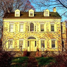 Beautiful multicolored brick house in rosendale, ny Wish I knew more! #archi_ologie #hudsonvalley #brick