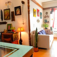 Ethnic Living Room, Colourful Living Room, Living Room Decor, India Home Decor, Ethnic Home Decor, Home Room Design, Home Interior Design, Home Entrance Decor, Diy Apartment Decor