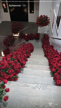 Romantic Room Decoration, Decoration Evenementielle, Romantic Room Surprise, Birthday Decorations, Wedding Decorations, Typical Girl, Luxury Flowers, Roses Luxury, Marriage Proposals