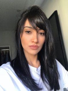 New hair goals inspiration bangs 67 ideas Long Black Hair, Dark Hair, Hair Product Storage, Zoella Hair, How To Cut Bangs, Blonde Haircuts, Wedding Guest Hairstyles, Medium Hair Cuts, Good Hair Day