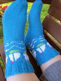 Opettajan purjevenesukkien ohje Socks, Fashion, Moda, Sock, Fasion, Stockings, Ankle Socks, Trendy Fashion, La Mode